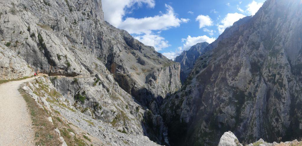 Schönstes Foto Berge: Blick in die Cares Schlucht