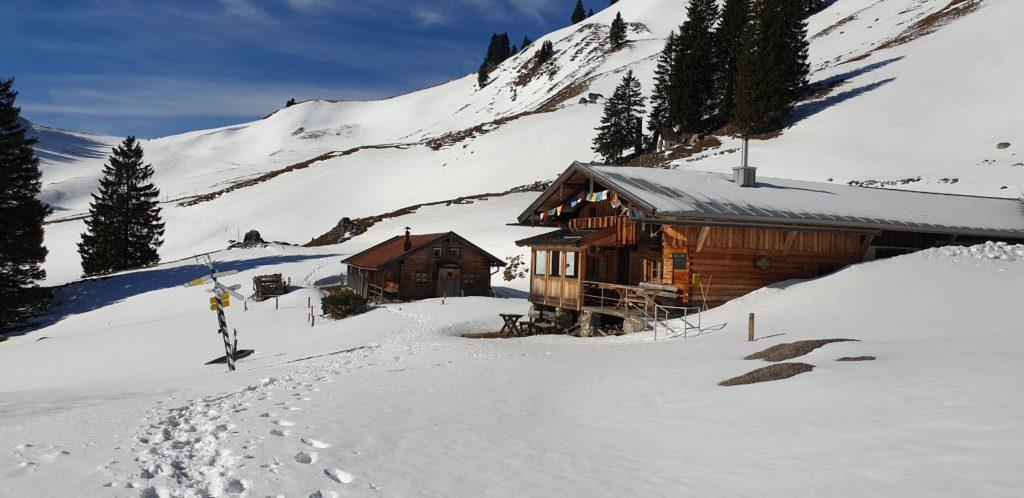 Neuhüttenalm im Schnee